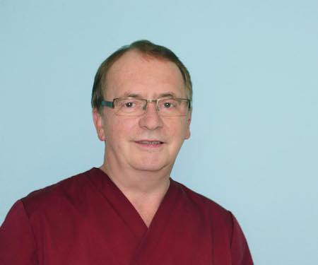 Dr. Bernd Lux