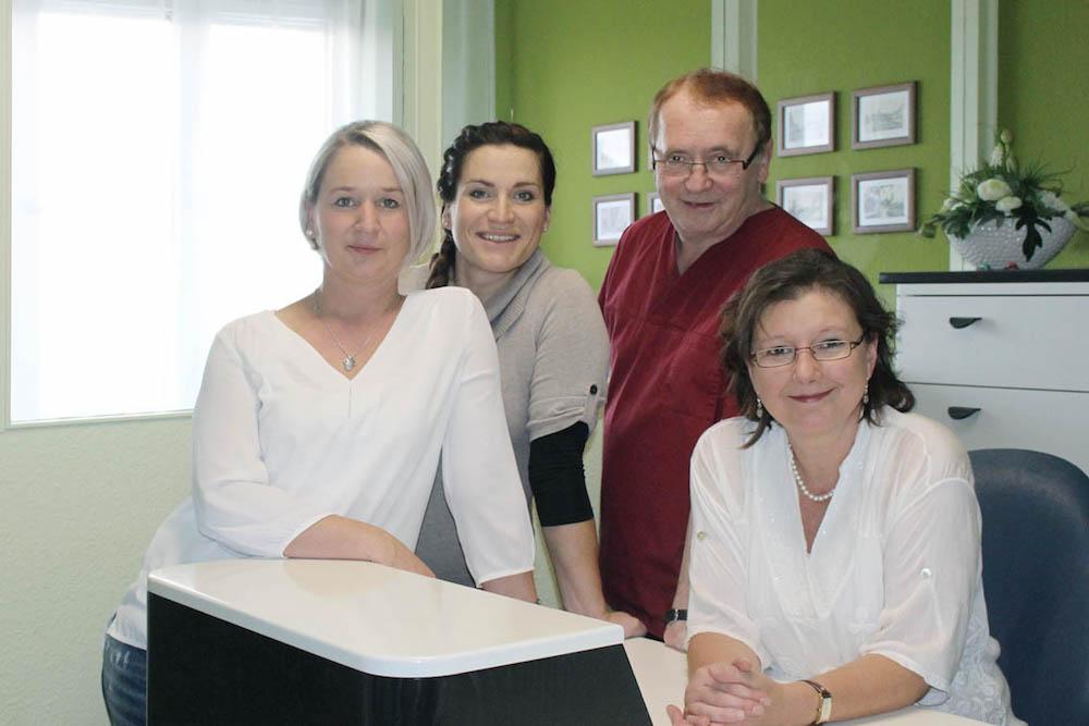 Team in der Rezeption - Zahnarzt Dr. Bernd Lux